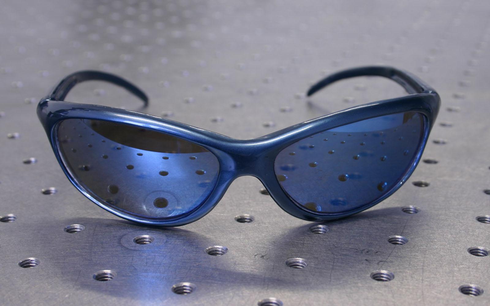 Conap 3D Reverse Engineering - Sonnenbrille auf dem Messtisch